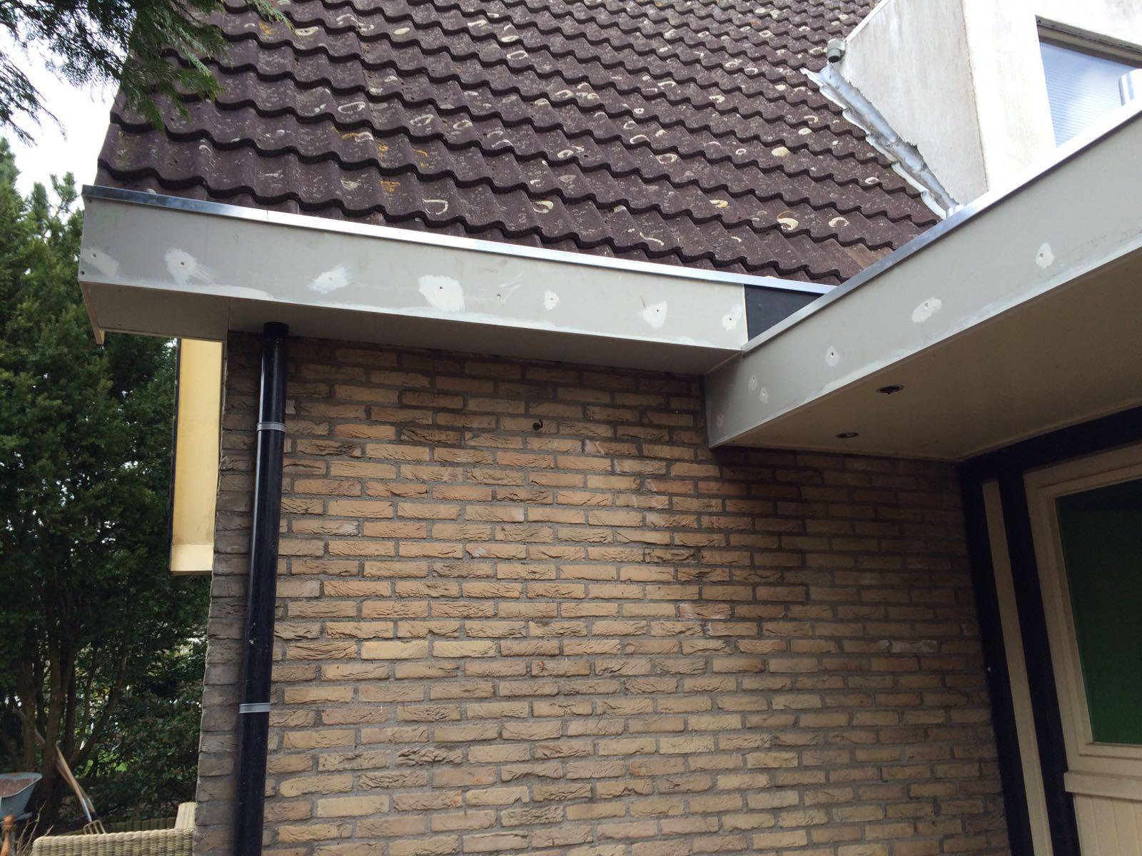 Het vervangen van boeiboorden en EPDM dakbedekking
